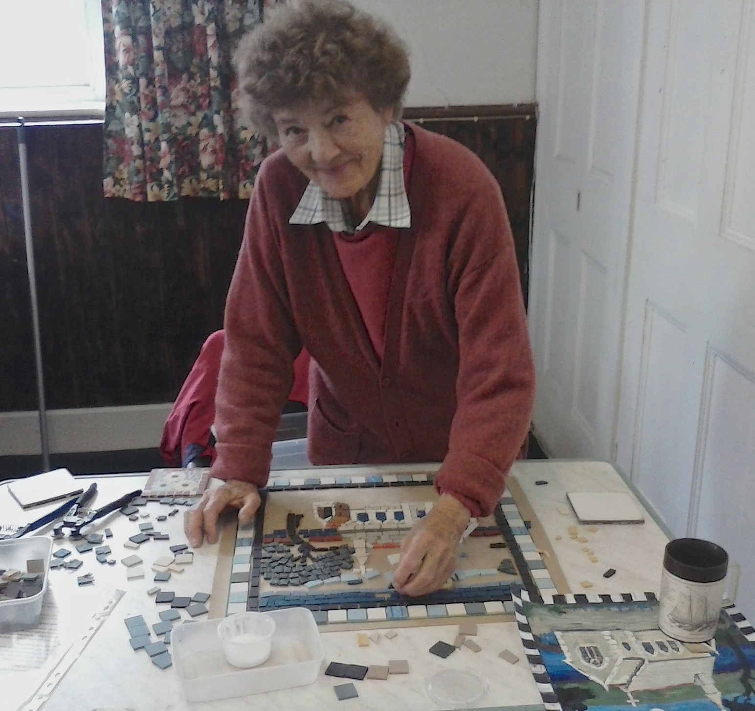 Yvonne Fuller working on the St Mawes Mosaic project
