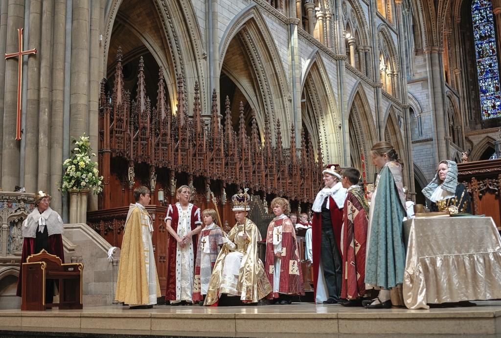 0613-0123 PR4Photos - Cathedral - Coronation