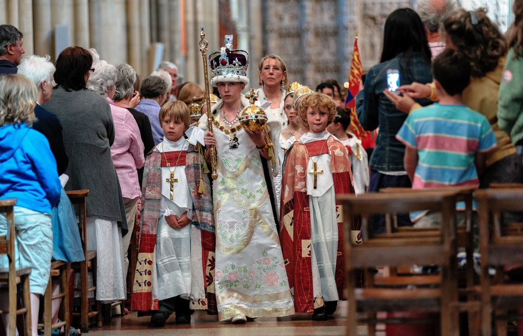 0613-0132 PR4Photos - Cathedral - Coronation