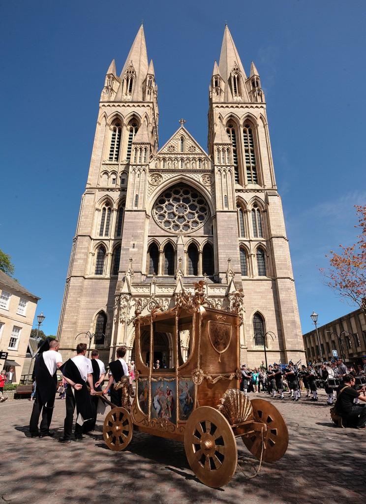 0613-0082 PR4Photos - Cathedral - Coronation