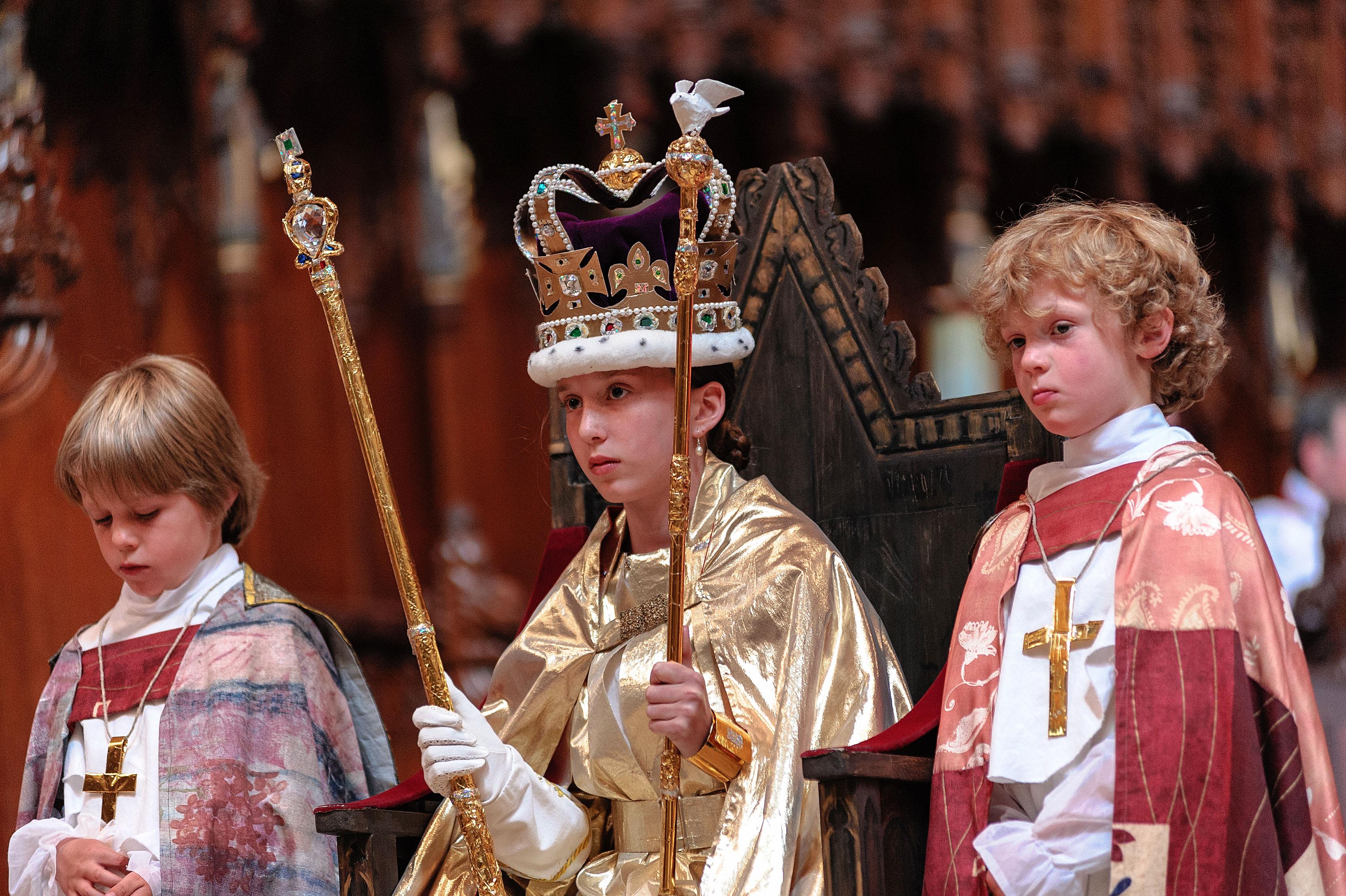 0613-0122 PR4Photos - Cathedral - Coronation